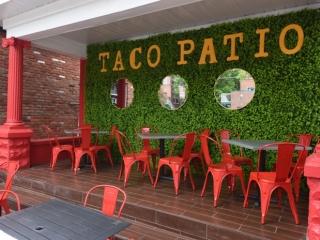 El-Taco-Luchadors-Front-Patio