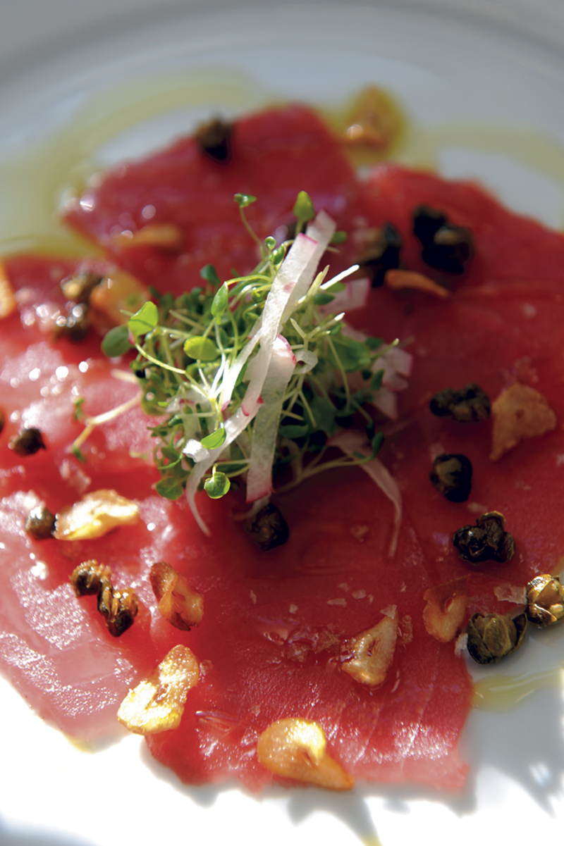 Ahi truna crudo