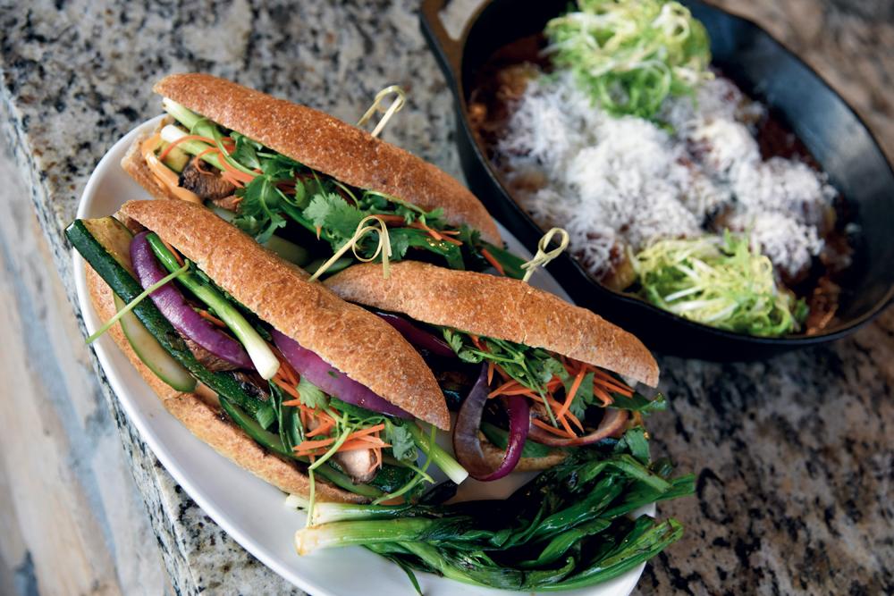 Grilled vegetable bánh mi