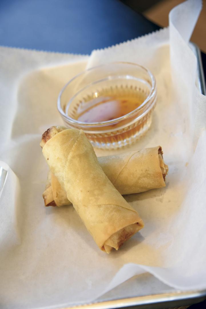 Seafood crispy rolls